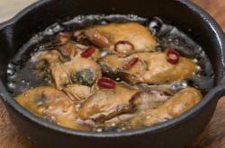 牡蠣アヒージョスキレット